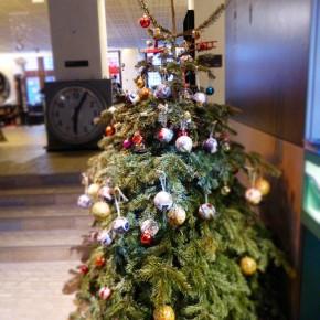 Des boules de Noël pour le Père-Noël ...